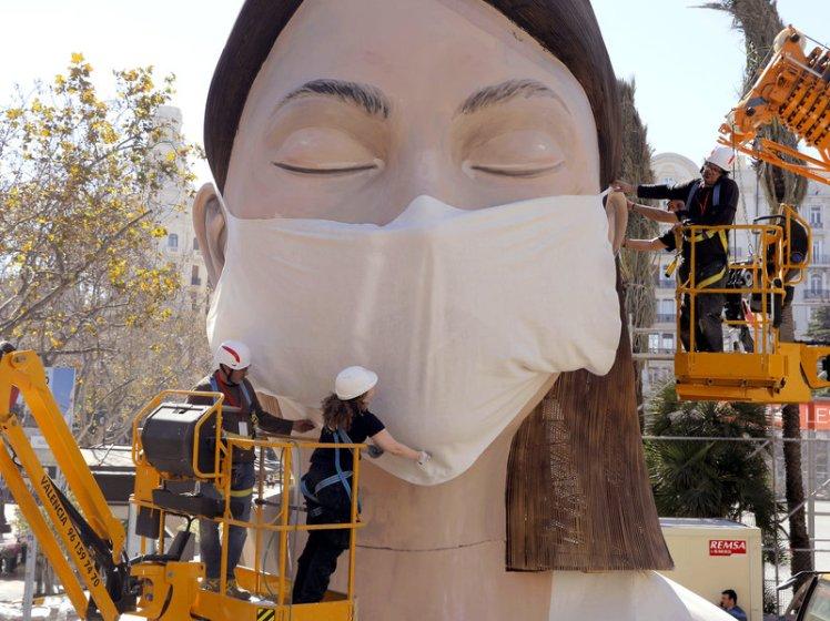 pandemic-coronavirus-facemask